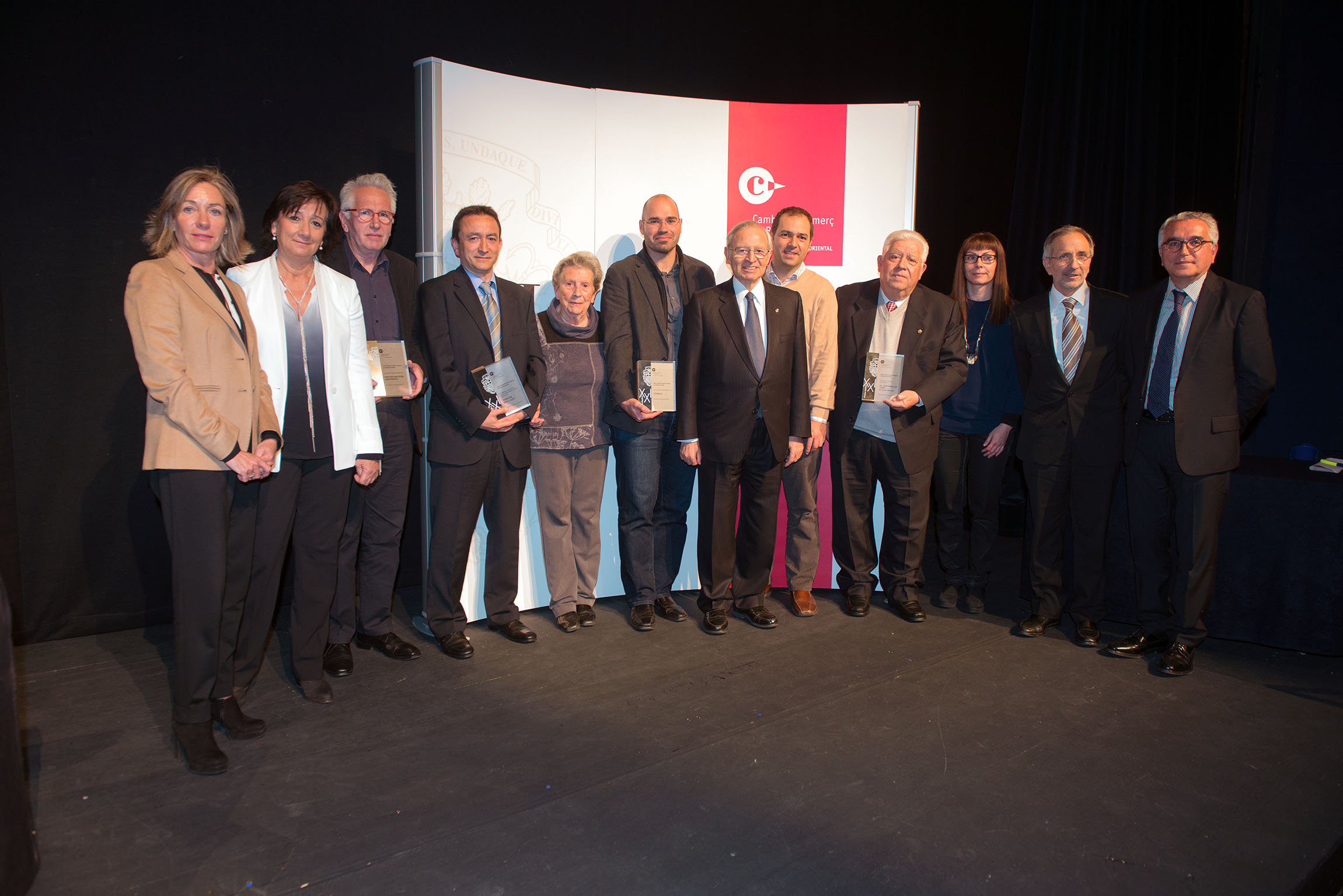 stimulo-receiving-award-barcelona-chamber-of-commerce